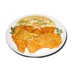 Szezámmagos csirke sajtmártásban, párolt zöldségekkel, röstivel