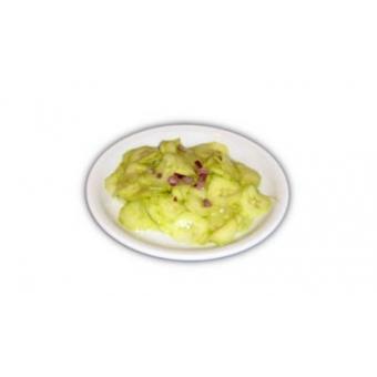 Uborka saláta